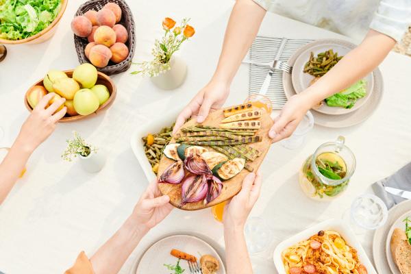 Mire figyeljünk nyáron az étkezésnél