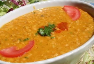 Thai vörös lencse leves (Dhal)