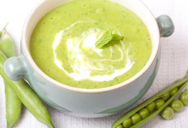 Istenien krémes zöldborsó leves