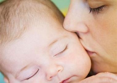 Anyai gondoskodással az agy fejlődéséért